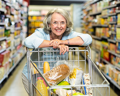elderly-woman-shopping